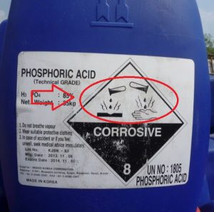 Tránh để Axit phosphoric thiếp xúc với da